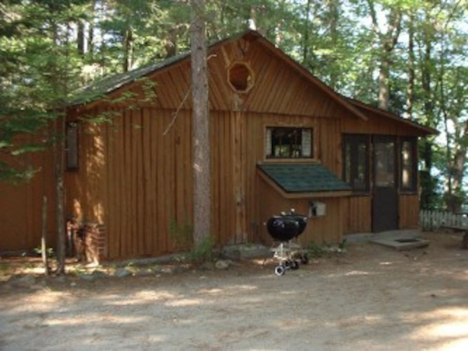 5 romantic 2 person hot tub cute log cabin cottages for Michigan romantic cabins