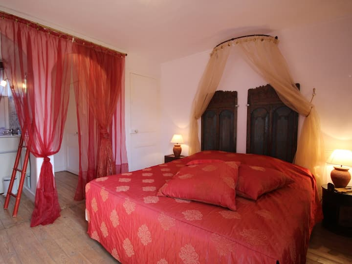 La Compagnie d'Orient-Double room-Ensuite with Shower-Garden View