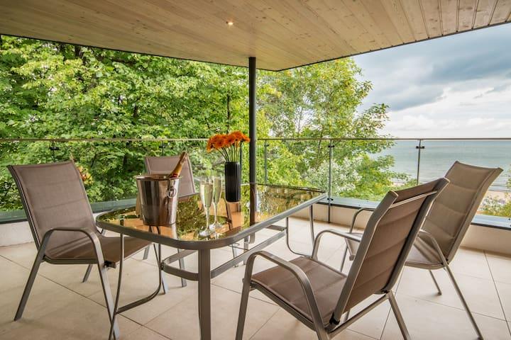 Tawerna Rybaki Apartament, taras, widok na morze