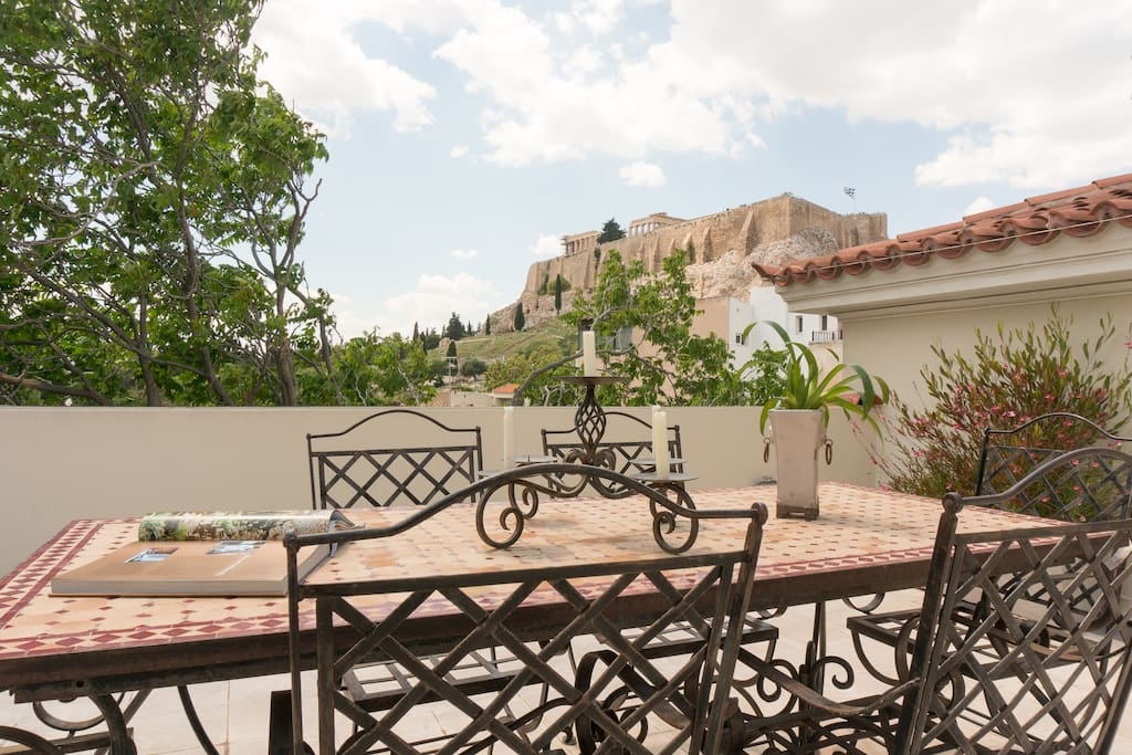 Fabulous roof terrace with Acropolis view