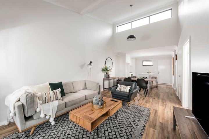 Stylish apartment in central Mandurah