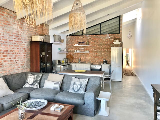 • AFRICAN HOUSE • Eco Estate • Slow Living • Comfy