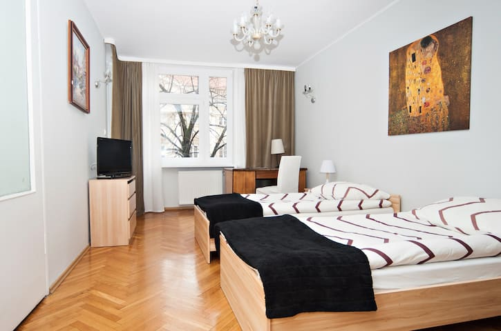 Old Town 3-room Apartment with WiFi - Varsóvia - Apartamento