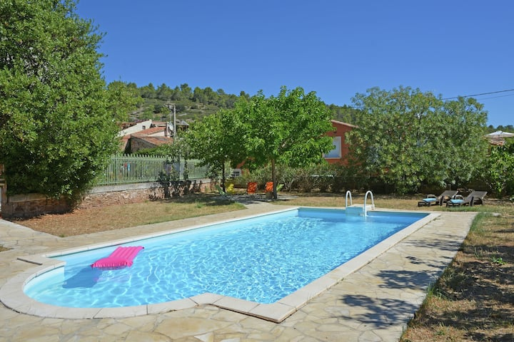 Authentic holiday home with private swimming pool and large garden in Southern France