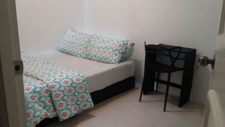Skylight bedroom in CBD & End of Orchard(3) +WIFI