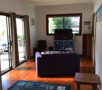 Waterfront retreat 2 bed self contaned unit - Chittaway Point