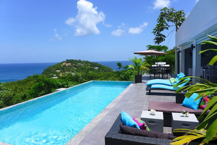 Breathtaking 180-Degree ocean view Lotus Villa - Gros Islet