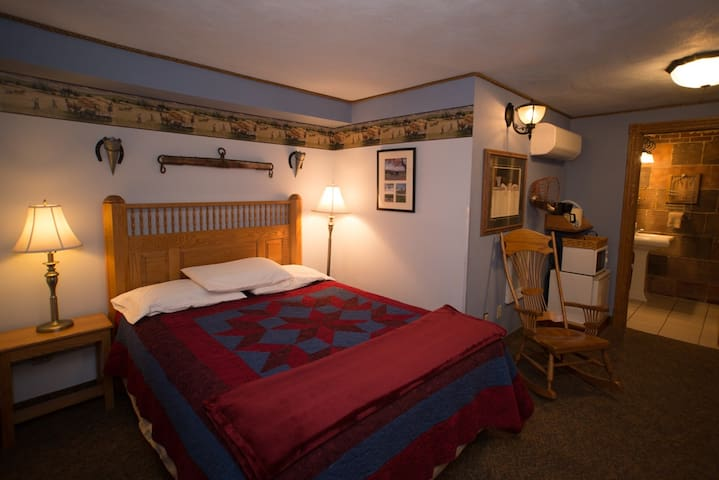 The Amish Room- Stone Mill Hotel & Suites