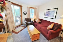 Fireside 220: 1BR, in the heart of the Village