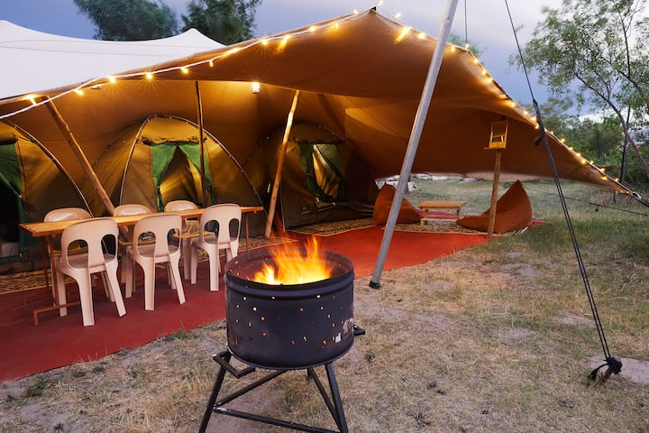 Deluxe Glamping Village - Sleeps 6 people