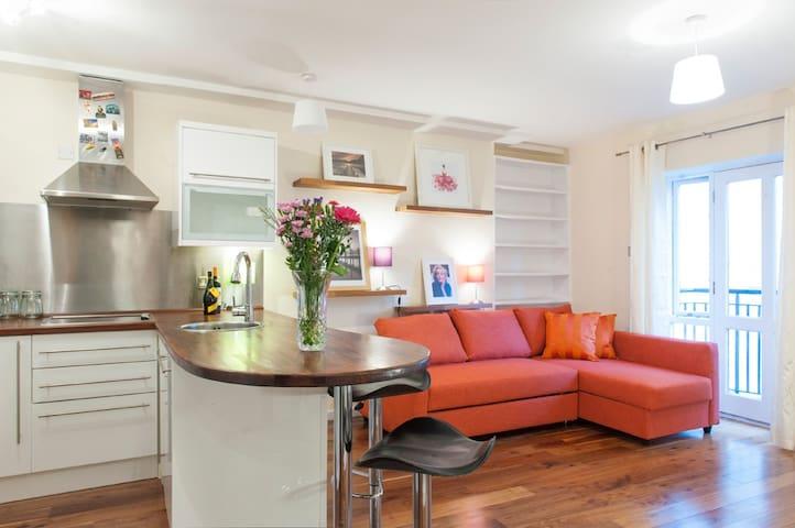 Sunny City Apartment Beside Temple Bar - Dublin - Apartment