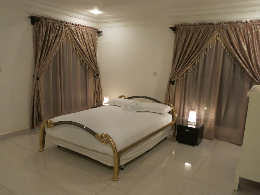 The  Supreme Deluxe guestroom