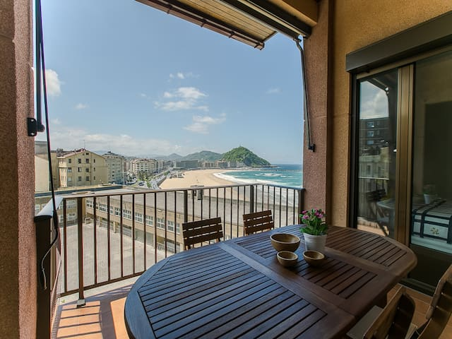 XIRIMIRI: Terrace, seaview, couples, surfing - Errenteria - Apartment