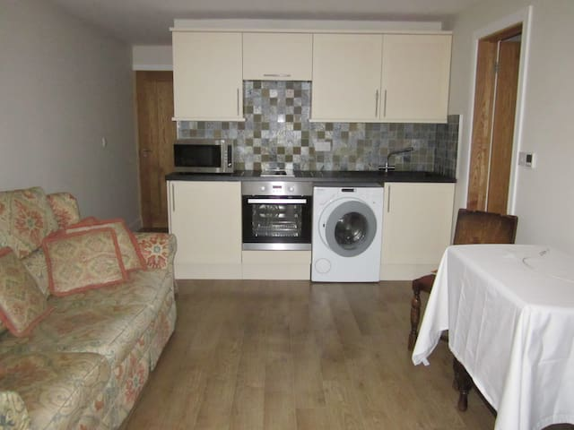 1 bed annex in Central Solihull - Solihull