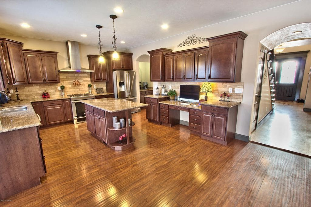 Lovely Kitchen with lots of room