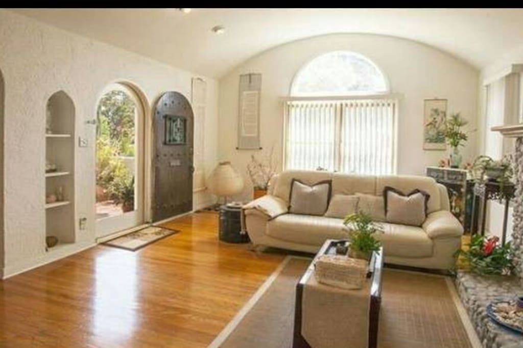 affordable west los angeles luxury house w pool houses