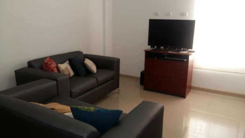 AMPLIA Y COMODA CASA EN PUERTA MARAVEN - Punto Fijo - House