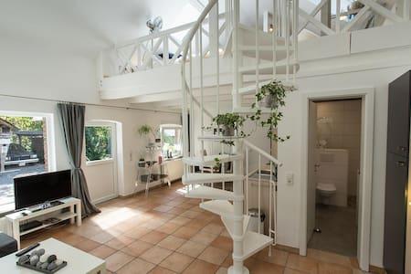 Land Loft-Wohnung 60 m² + Garten  + Kamin