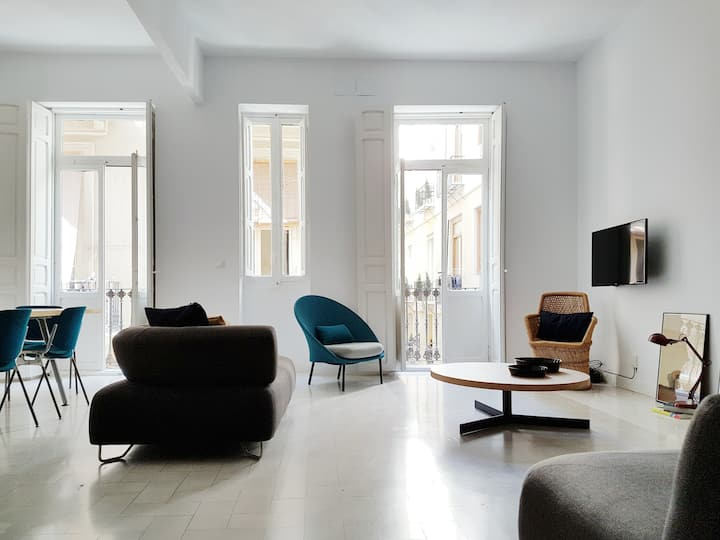 Design apartment in the heart of Valencia