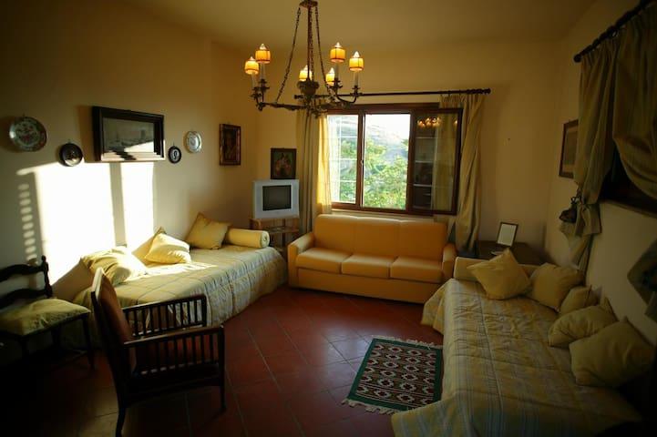 Delizioso appartamento in agriturismo siciliano