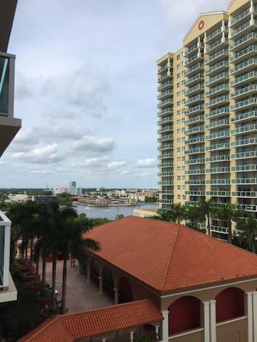 Beautiful Sunny Isles apartment - Sunny Isles Beach - Apartment