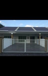 Homestay hulu langat(spacious)RM250 - Hulu Langat - Ház