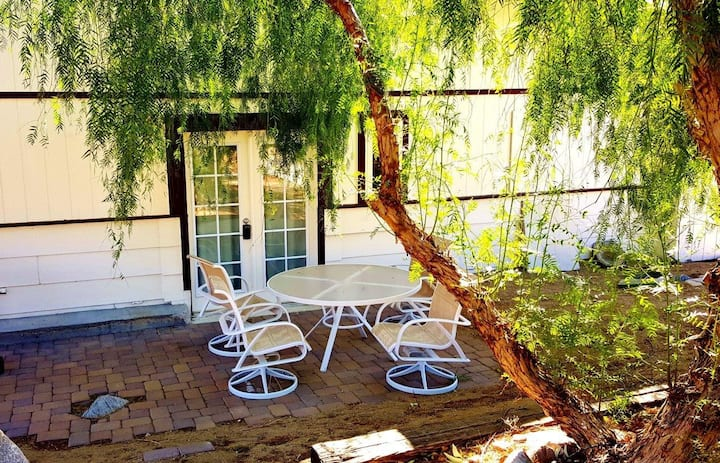 Sonoma 2bed1 bath Private Retreat 1 - Pet Friendly