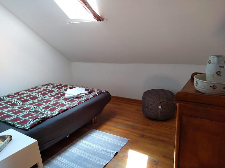 Einzelzimmer unterm Dach juchhe!
