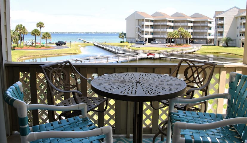 New!  Beach Condo with Gulf access & pool
