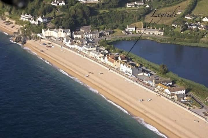 Leyside, Torcross, beach-living!