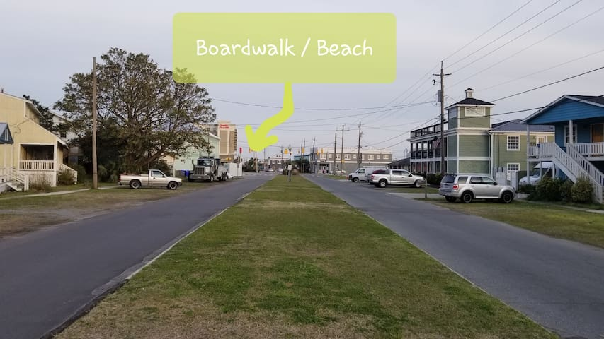 Just a couple blocks to the boardwalk/ocean. Lake Park just steps away. Walk to everything! House is located in the middle of the CB Central Business District!