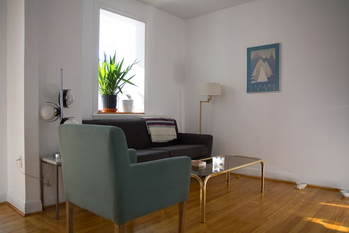 Perfect location in Plateau Mont-Royal