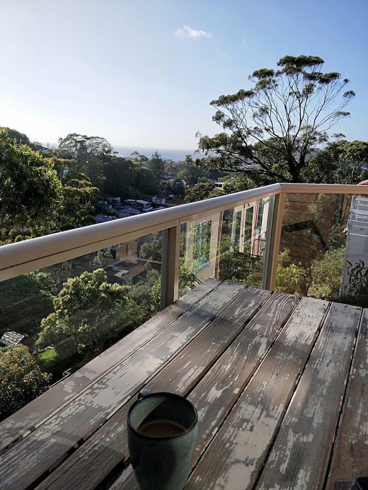 Coogee Beach Pad - Ocean Views from every room!