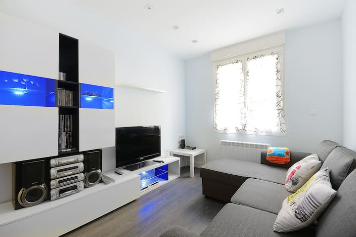 BILBAO AYUNTAMIENTO + WIFI 100GB - Bilbao - Appartement