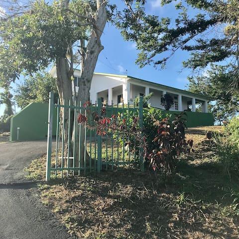 Mountain View Studio in the Trujillo Hills