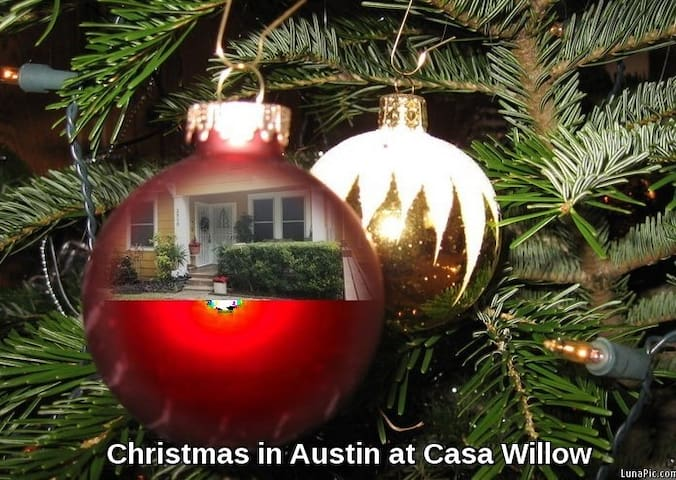 HOLIDAYSinAustinInnerCity/IncludesServiceCleanFees