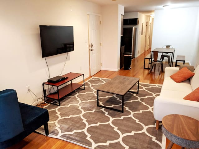 Beautiful 3BR Apt, Only 20 Minutes to Time Square!