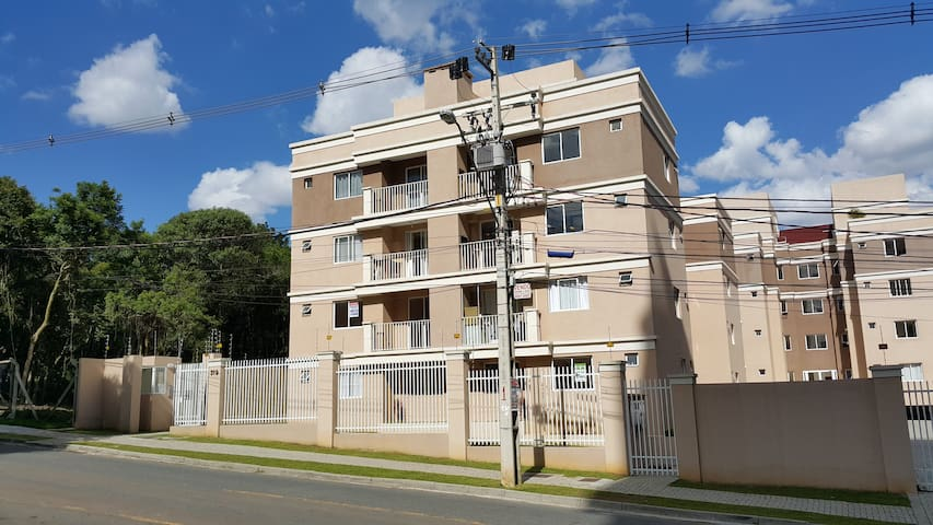 Best neighborhood in town! Close to downtown. - Curitiba - Lejlighed