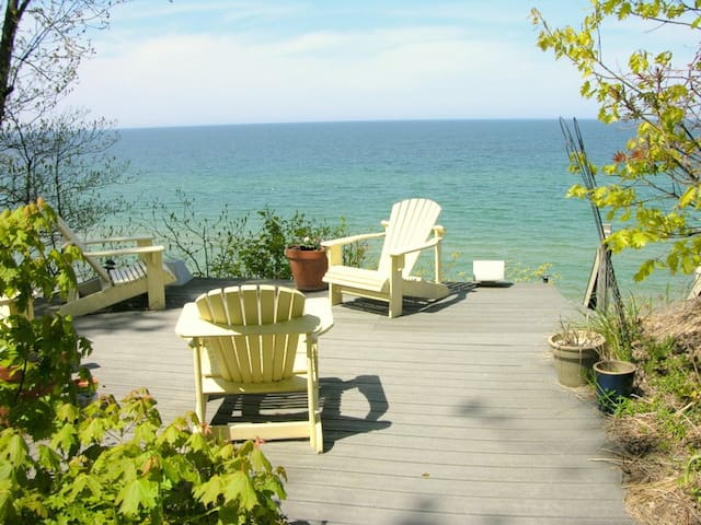 Yellow Paradise has private Lake Michigan beach frontage!