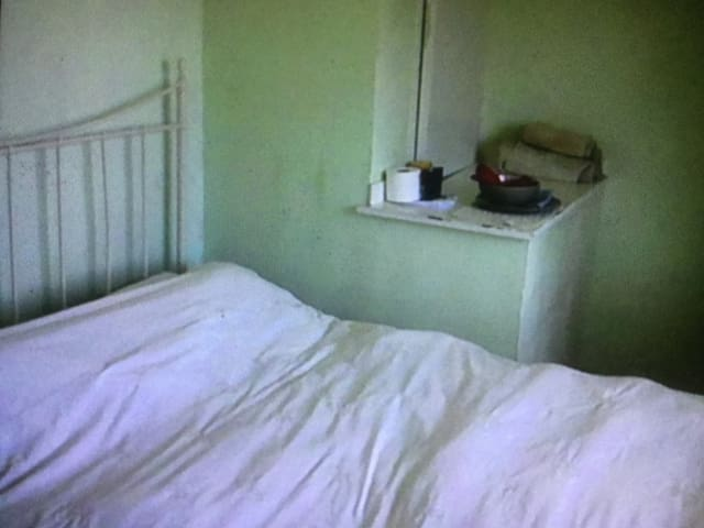 Large single room with double bed for one person