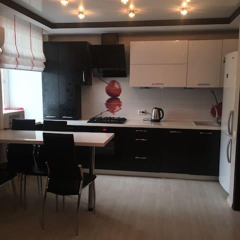 Уютная кв-ра с современным ремонтом - Кострома - Apartment