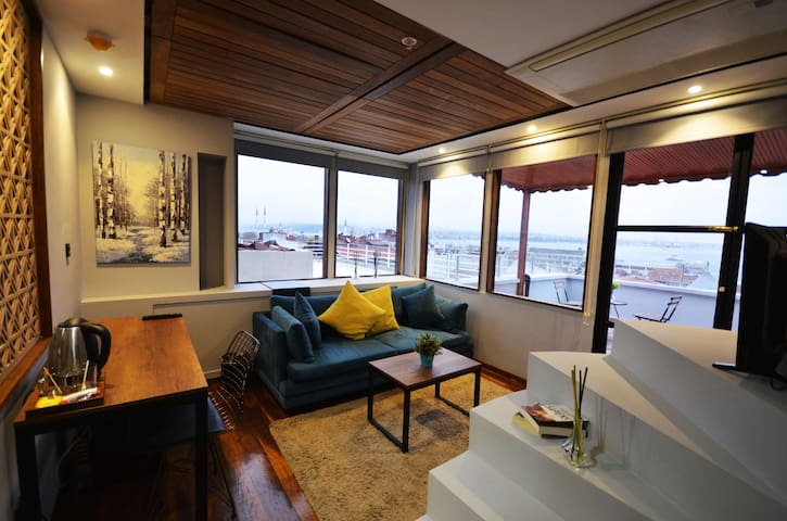Penthouese suit with Bosphours view and Terrace