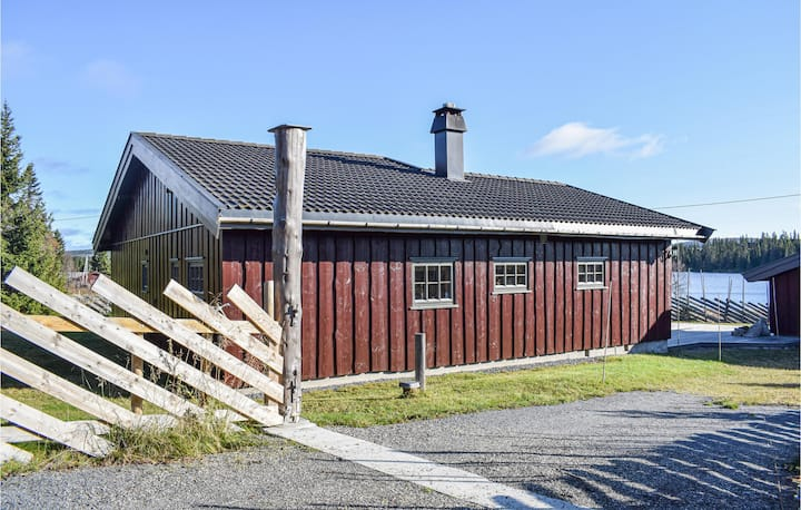 Beautiful home in Sjusjøen with 3 Bedrooms