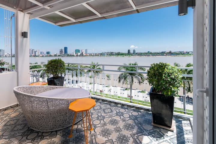 Riverside Penthouse NOW SPECIAL MONTHLY RATES