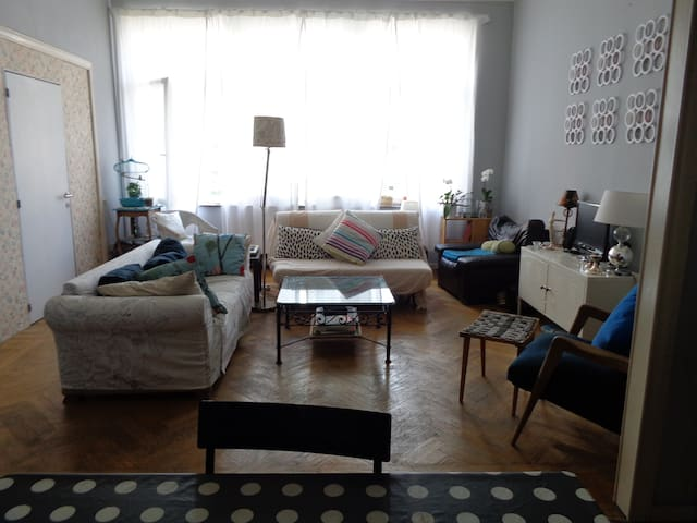 Room at 3min of European Parliament - Ixelles - Appartement