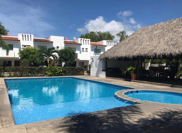 Hermosa Casa en privada en Nuevo Vallarta