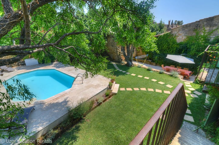 Village house with character -  Pool and lawn. AC