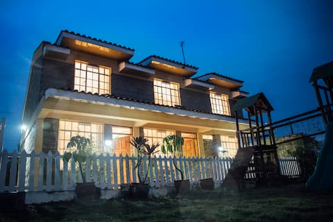 Amazing Guest House near the airport (Amani)