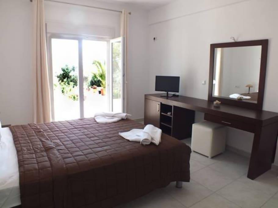 Schlafzimmer mit Balkon Meerblick
