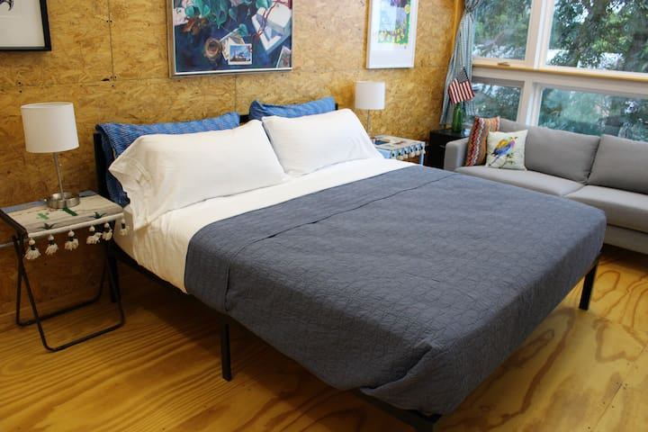 We have a comfortable king size  Denver mattress, with plenty of great pillows, extra blankets if desired and we take pride in clean bedding.